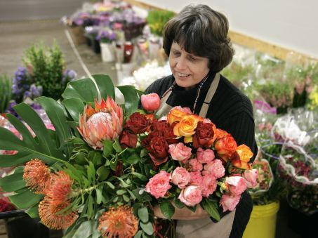 Send Flowers with Canada Flowers
